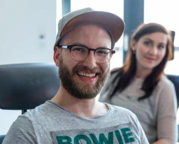 Mitarbeiter lächeln